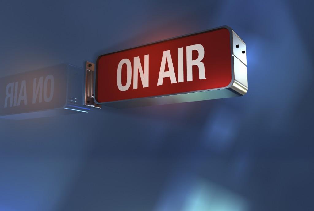 ¿Qué se necesita para crear y transmitir una radio en internet?